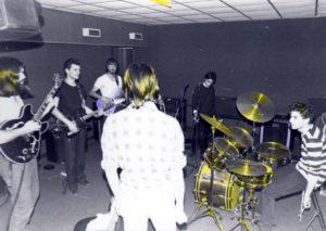 A0915002F09 1983 MDV sala prove